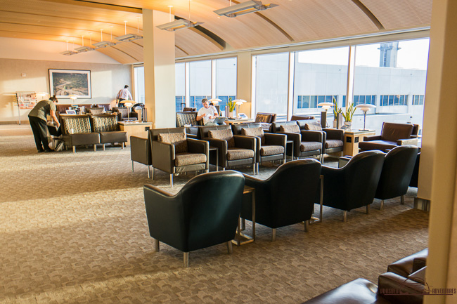 american-airlines-lax-admiral-club-2824