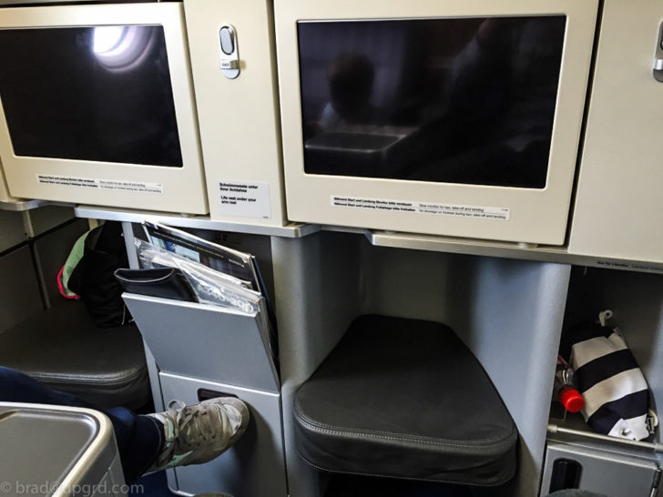 Lufthansa A340 Business Class from Dusseldorf to Chicago ...