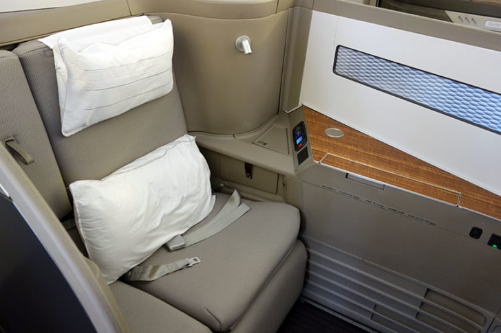 cathay-pacific-first-class-lax-hkg-02