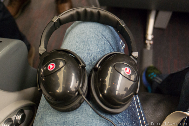 Turkish Airlines A321 Business Class headphones