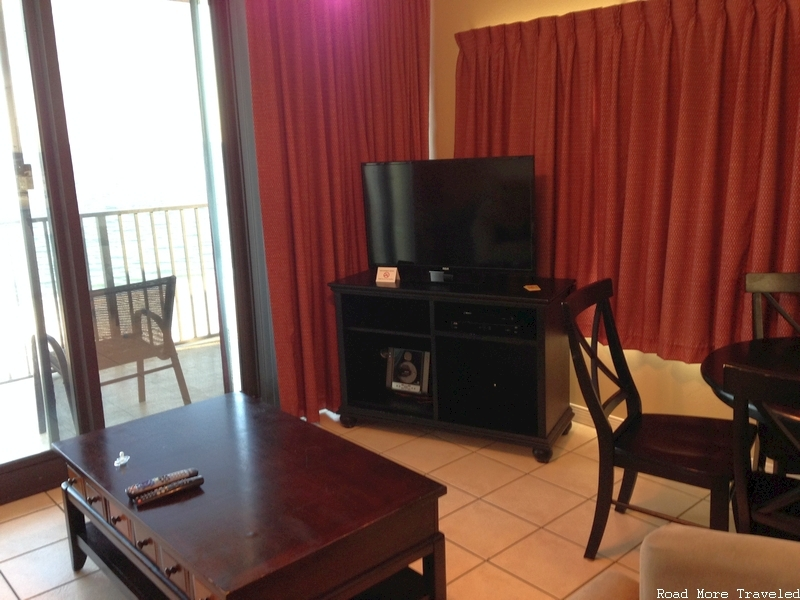 Phoenix All Suites Hotel Gulf Shores - living room TV