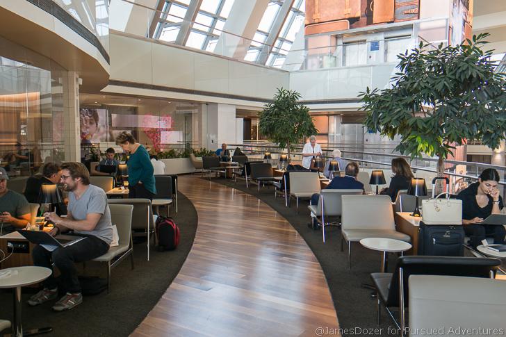 Star Alliance Lounge LAX indoor balcony